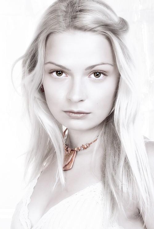 Чистый белый портрет